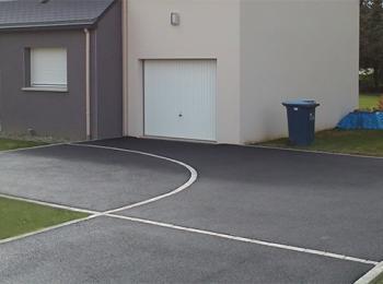 Pose enrobé noir entrée garage